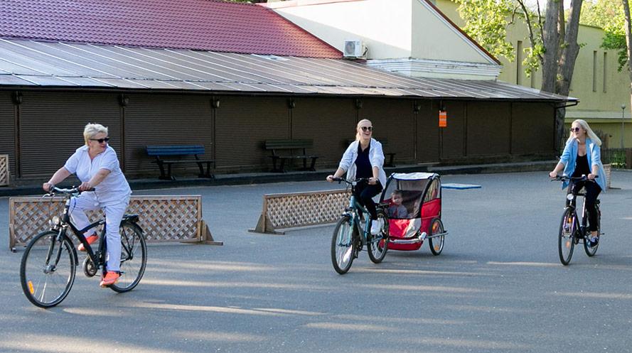 Välja cykelvagn till familjen
